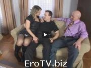 Бисексуалы зажигают в троём